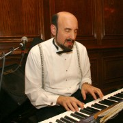 michael-suser-on-piano